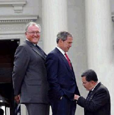 Bush_auditioning_replacements_for_rove_1