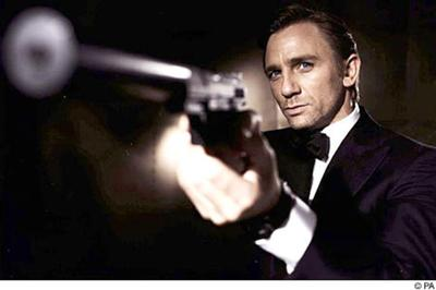 Movie_new_bondpa251005_450x300