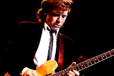 Music_dave_edmunds_511022_356x237