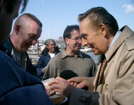 JERRY ORBACH'S LAST DAY ON THE LAW & ORDER SET - Photo: 2004_04_lojerrycheese